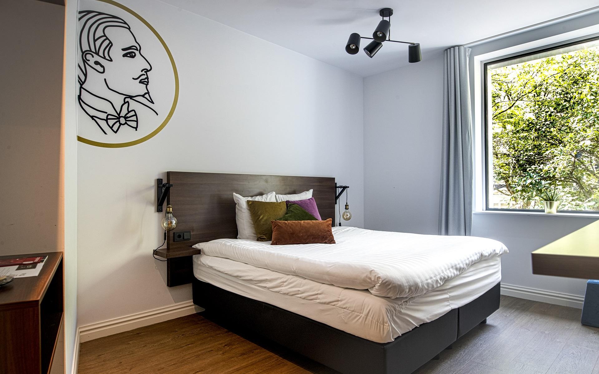 Alex | Large Double Room